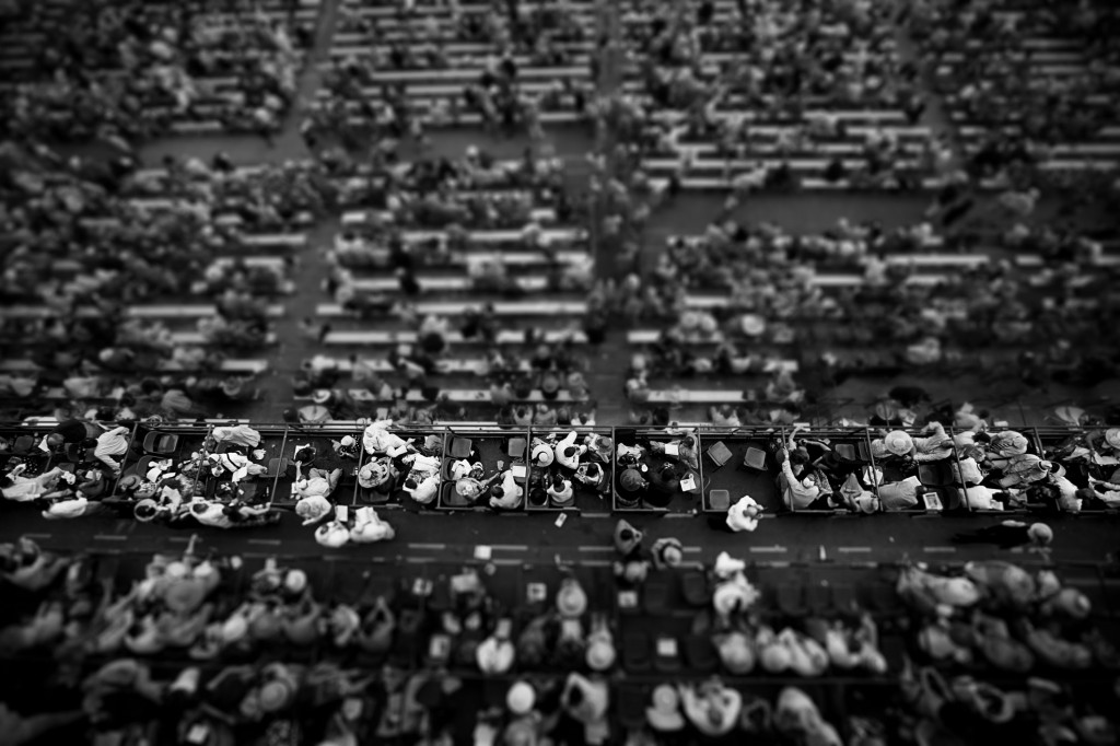 Crowd Tilt Shift BW